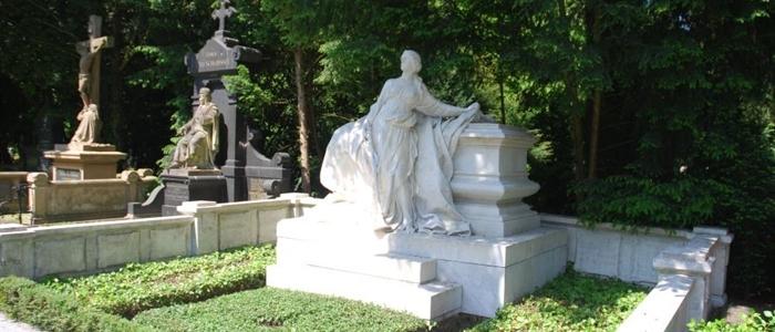 Grabstätte Laura Oelbermanns auf dem Melatenfriedhof